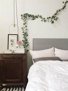 35 Fresh New Ways to Decorate Above the Bed One Thing