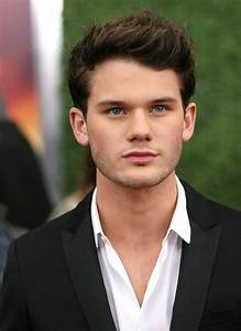 Jeremy Irvine Picture 3 - The World Premiere of War Horse