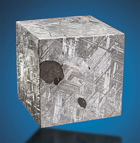 a cube of muonionalusta meteorite discovered in