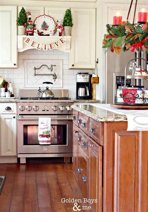 30+ Stunning Christmas Kitchen Decorating Ideas All