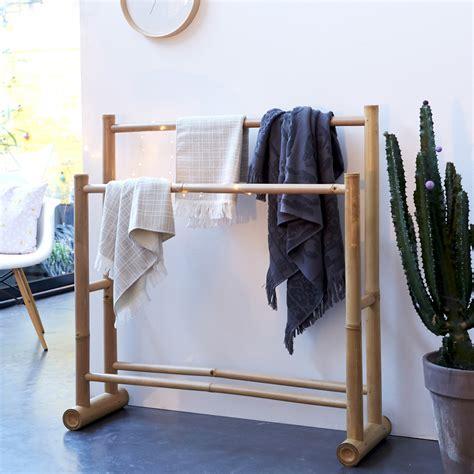 chaise de bureau prix portant pour serviettes en bambou porte serviette naturel