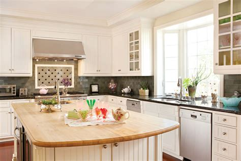 Kitchen Makeovers On A Budget That Upgrades Your