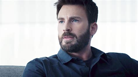 Chris Evans Reacts To Leaked Private Photo With Tweet ...