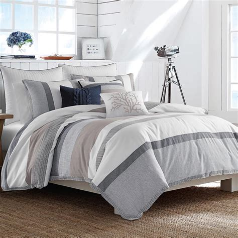10 beautiful bedding sets to update your bedroom for