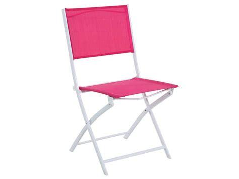 conforama chaise de jardin chaise pliante de jardin tabarca coloris framboise