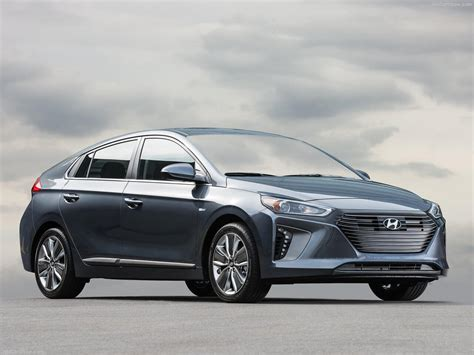 Best Hybrid Vehicles by The Best In Hybrid Vehicles Of 2018 Buyers Guide