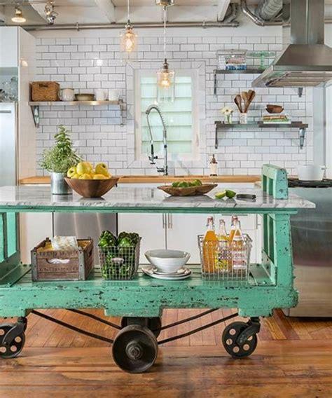 ilot cuisine sur roulettes la cuisine équipée avec ilot central 66 idées en photos