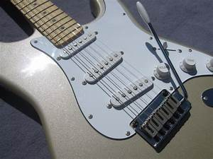 2000 Squier Stratocaster Standard Series By Fender