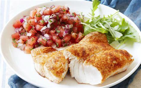 cuisine entree avocado and smoked salmon entree