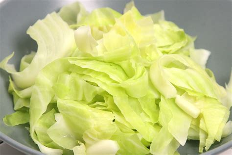 boiling cabbage how to boil cabbage with pictures wikihow