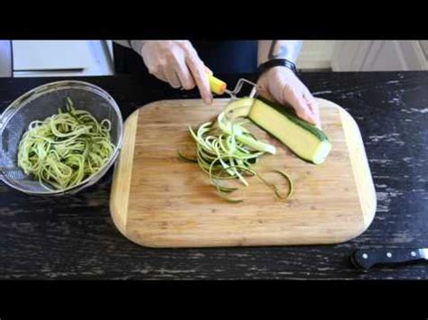 how do you make noodles how to make zucchini noodles youtube