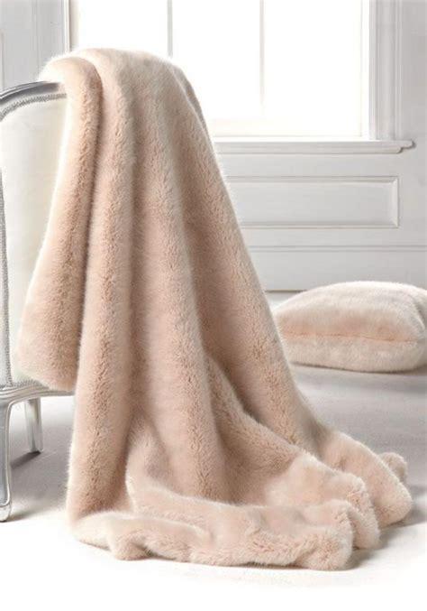plaid canapé grande taille le plaid fausse fourrure confort pour vous et style