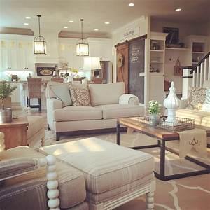 Farmhouse living room, open concept to kitchen Interior