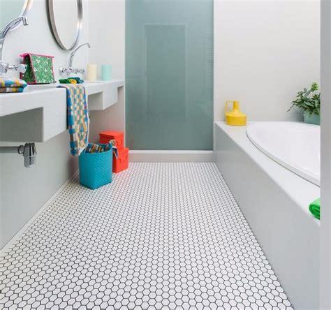 bathroom flooring vinyl ideas best vinyl flooring for bathrooms ideas only on vinyl
