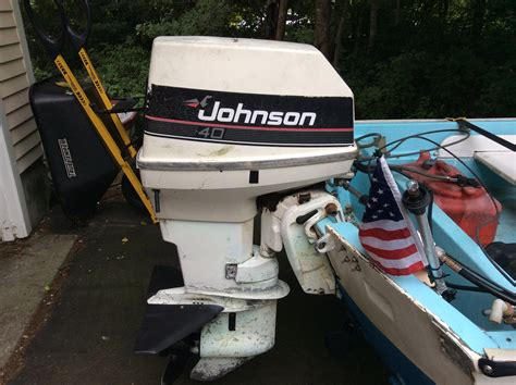 identify  johnson outboard  hull truth boating  fishing forum