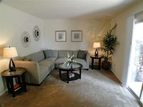 living room emmaus colonial crest apartments rentals emmaus pa
