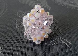 Bague Or Rose Swarovski : bague losange 7 fleurs rose en perles de cristal swarovski accessoires femme par perlesandpinpin ~ Melissatoandfro.com Idées de Décoration