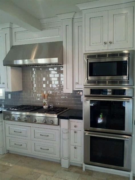 Best 25  Double oven kitchen ideas on Pinterest   Kitchen
