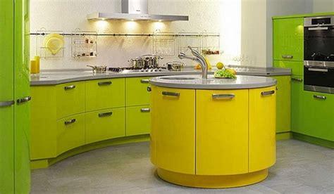 green yellow kitchen сочетание цветов в кухонной мебели домфронт 1476