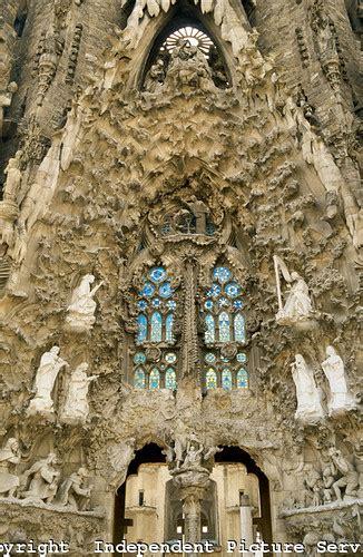 vh cathedral la sagrada familia  antonio gaudi barcelona spain flickr photo sharing