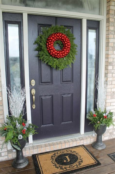 decorate  front door   holidays