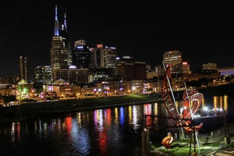 downtown nashville  night   bridge picture