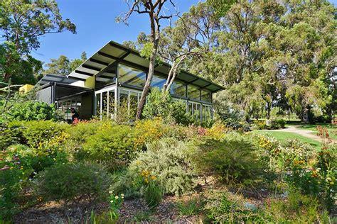 create  australian native landscaped garden