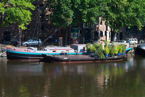 Houseboats Utilities by Realengracht