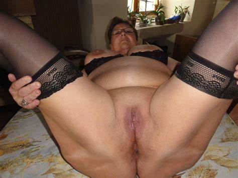Thick Fresh Hips Willing Outside Granny With Haunches Spreads Wide