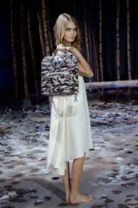 delevingne teams   mulberry  bag collection