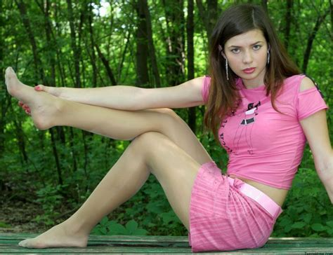 Young Teen Spread Legs Teen Xxx Pics