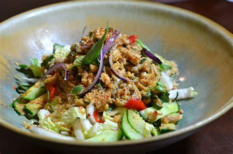salade de poulet thaï épicée la recette authentique du
