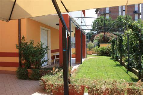 """""""blick Auf Eine Wohnung Mit Terrasse Und Garten"""" Residence"""