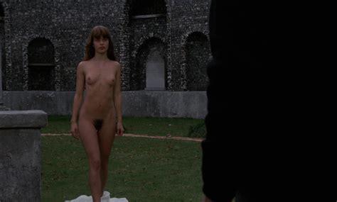 Laigle  nackt Florence Sexual Development:
