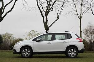 Peugeot 2008 2 : essai peugeot 2008 1 2 puretech 82 bvm5 le bon mariage ~ Medecine-chirurgie-esthetiques.com Avis de Voitures