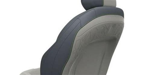 faurecia sieges d automobile faurecia crée un centre d expertise sur les coiffes de