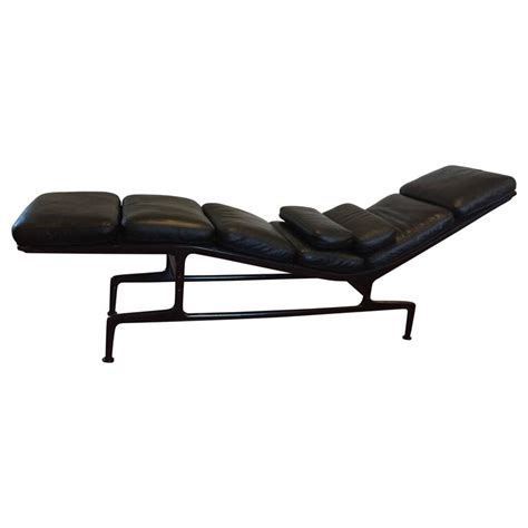 eams chaise eames for herman miller billy wilder chaise longue at 1stdibs