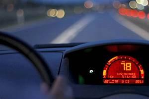 Compteur De Vitesse Gps Pour Voiture : compteur vitesse voiture indicateur de vitesse vecteurs et photos gratuites voiture gps ~ Nature-et-papiers.com Idées de Décoration