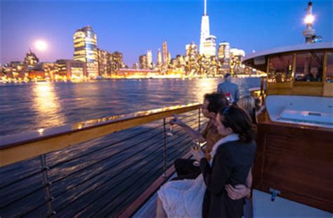 Music Boat Cruise Nyc by New York City Sightseeing Cruises On Yacht Manhattan