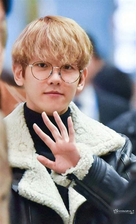 Baekhyun's Hands Are Crafted By The Gods K Pop Amino