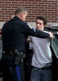Suspects in wild chase fled Attleboro bank empty-handed ...