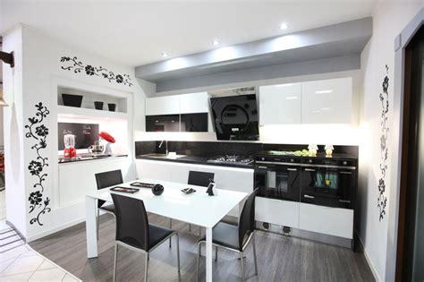stile cucine cucine moderne rosti cucine modena