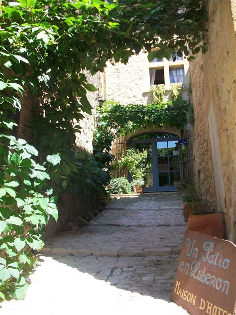 luberon chambre d hotes de charme un patio en luberon chambres d 39 hôtes de charme ansouis