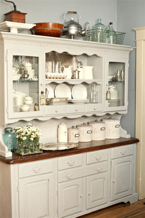 painted kitchen hutches 25 best ideas about chalk paint hutch on