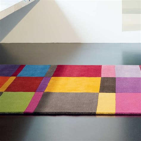 tapis sur mesure multicolore love en laine par ligne pure