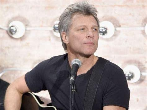 Jon Bon Jovi Receive Broadcasters Humanitarian Award