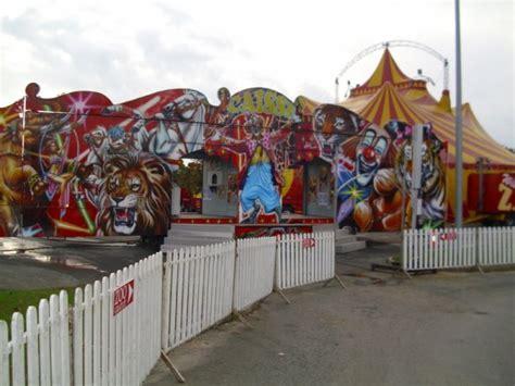 jardiland joue les tours cirque willie zavatta fils a joue les tours parking jardiland touraine circus