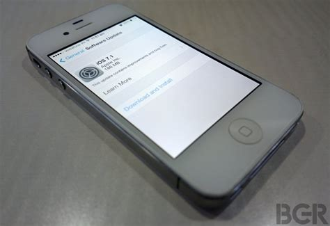 apple iphone update apple iphone 4s news updates photos