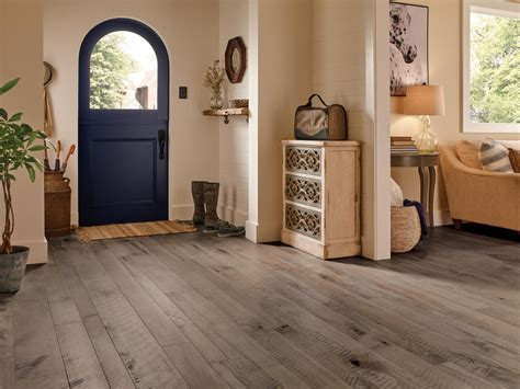 Tips for Installing Hardwood Flooring in Your Beach House