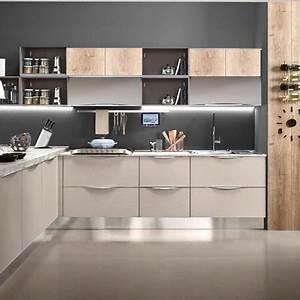 cucina moderna frassino dorian con penisola cemento dogato in offerta Cucine a prezzi scontati